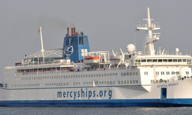 Africa Mercy arrives at Dakar