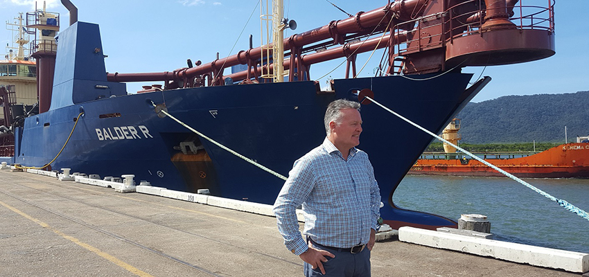 Dredge arrives in Cairns for cruise ship expansion