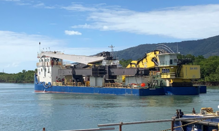 Woomera arrives to continue dredging at Cairns