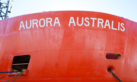 VIDEO: Aurora Australis makes final journey south
