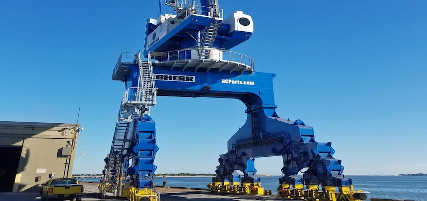 First portal slewing crane commences work in the US