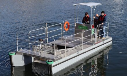 Fighting ocean plastic pollution with electric clean-up boats