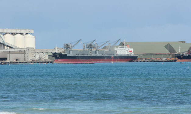 Shipping re-starts at Geraldton after cyclone