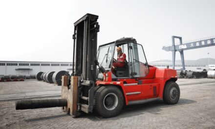 Forklift order for key Chinese port