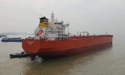 Low carbon combination carrier visits Australia