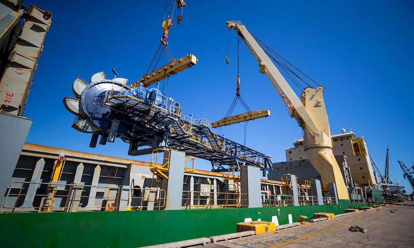 AAL transports heavy lift components from China to WA
