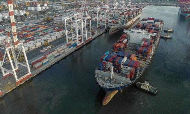 Big ships berth at Melbourne