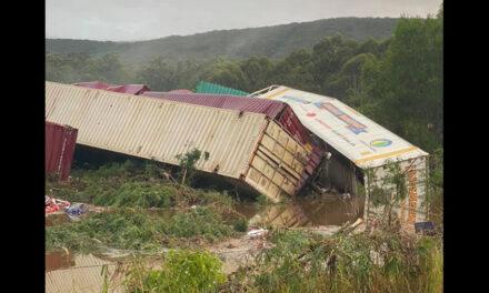 1.5-kilometre freight train derails in NSW
