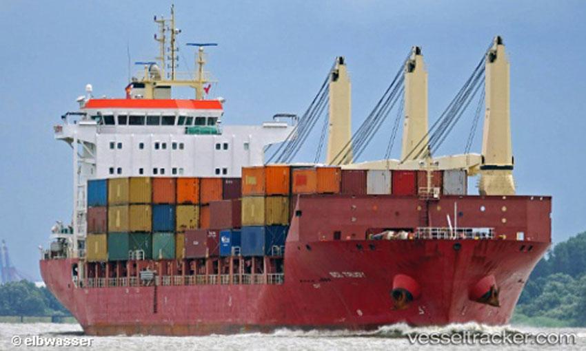 Vessel at Port Hedland goes up in flames