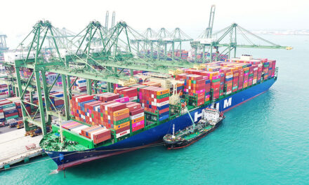 HMM's new 16,000-TEU ship embarks on maiden voyage