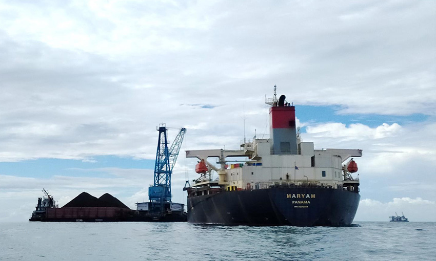 Half of Maryam crew resigns, Movers 3 still detained at Weipa