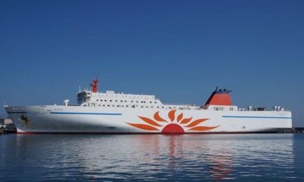 World-first test of auto berthing and unberthing system