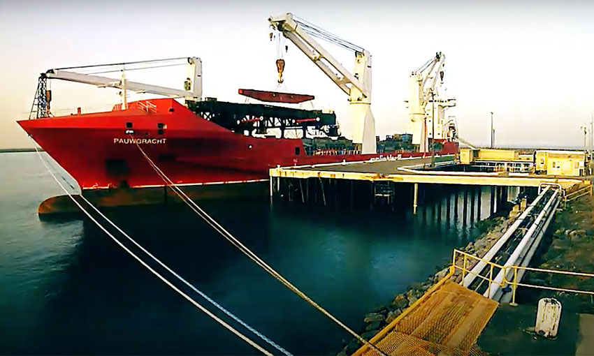 Big cargo comes on a big ship to Mackay