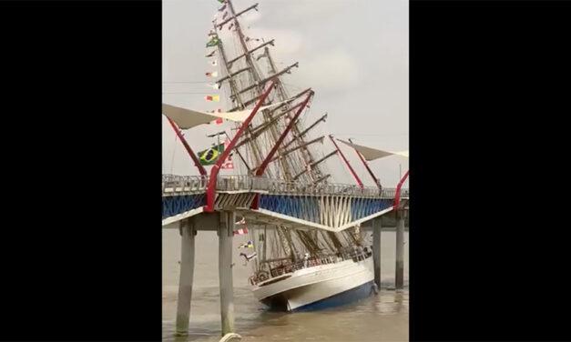 Brazilian Navy tall ship crashes in Ecuador