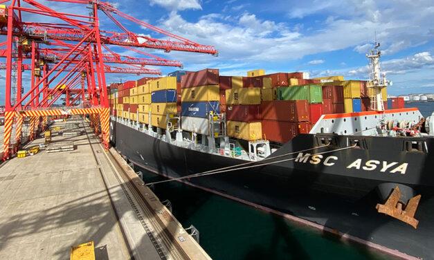 Big ship berths at Botany, breaks records
